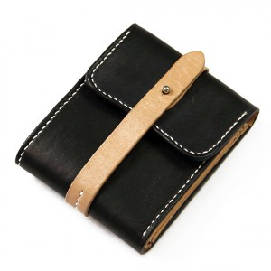 Passcase Core Leather Wallet